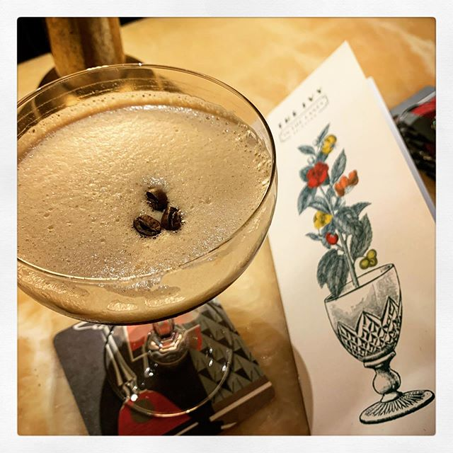 Throwback to Thursday a couple of weeks ago when we had an amazing evening at The Ivy in Brighton. Espresso Martinis! What a treat! #cocktailhour #theivy #birthdaytreat #brighton #thelanes #datenight