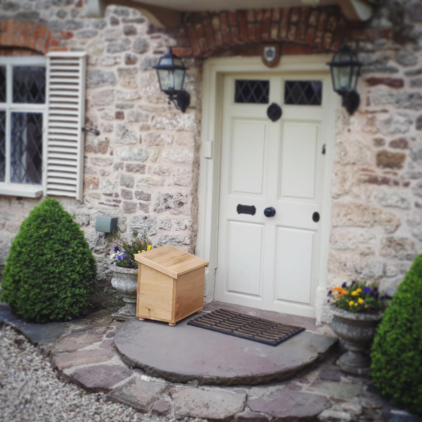This oak postbox was a commission we worked on at the end of last year. We have received a lovely photo of it in situ. Super proud of this piece and the owners are delighted with it which makes us very happy!...#countryhouse #postbox #bespoke #happycustomer #homewares #problemsolving #usefulandbeautiful #testimonial #lifestyle #proud #gingerandtweed #formandfunction