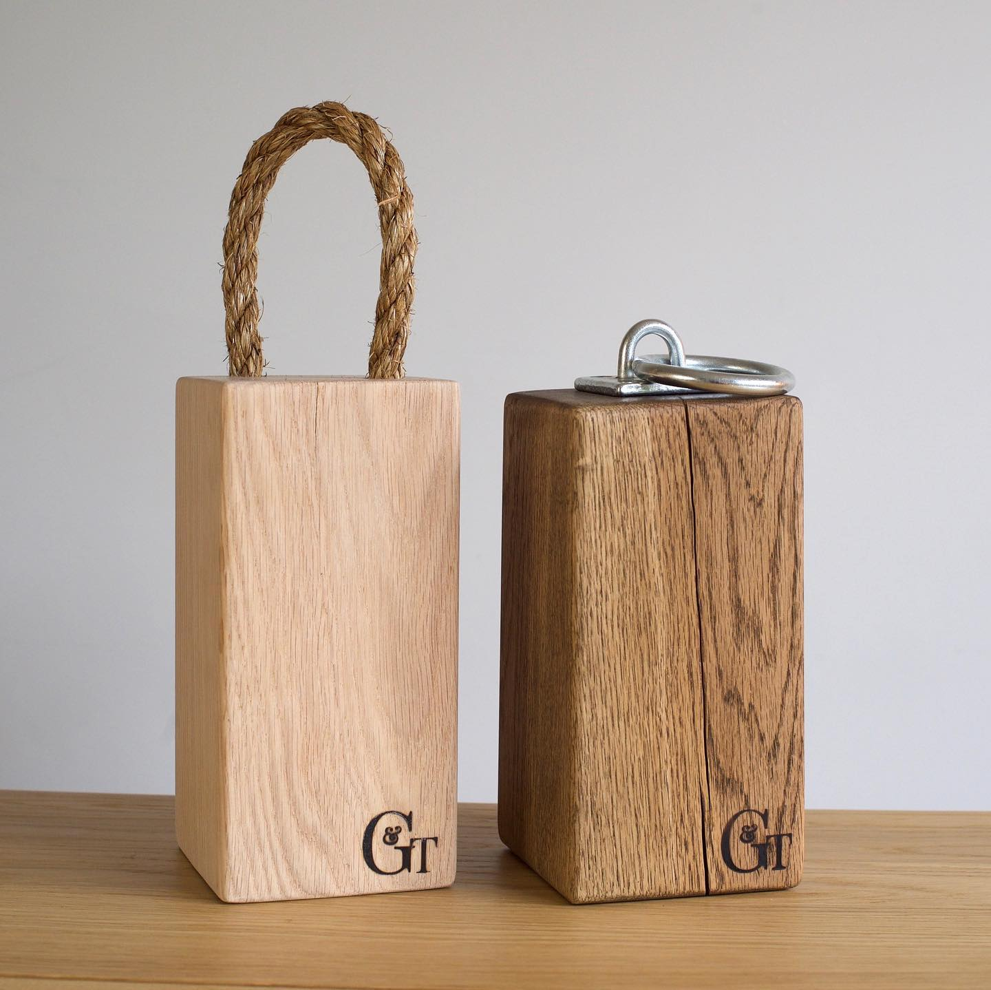 Morning! Wow it's a scorcher today! We are working on more doorstops at the moment and wanted to pick your brains. Previously, we have made both dark oak and bare oak doorstops. We found that the lighter ones don't seem as popular so we haven't made any in a while. wondering whether or not to restock ...? What do you think? Which one do you prefer? ....#handcrafted #homewares #homedecor #hotweather #summertime #doorstop #craft #oakdoorstop #woodteatments #tomakeornottomakethatisthequestion #gingerandtweed #makersmarketfromhome