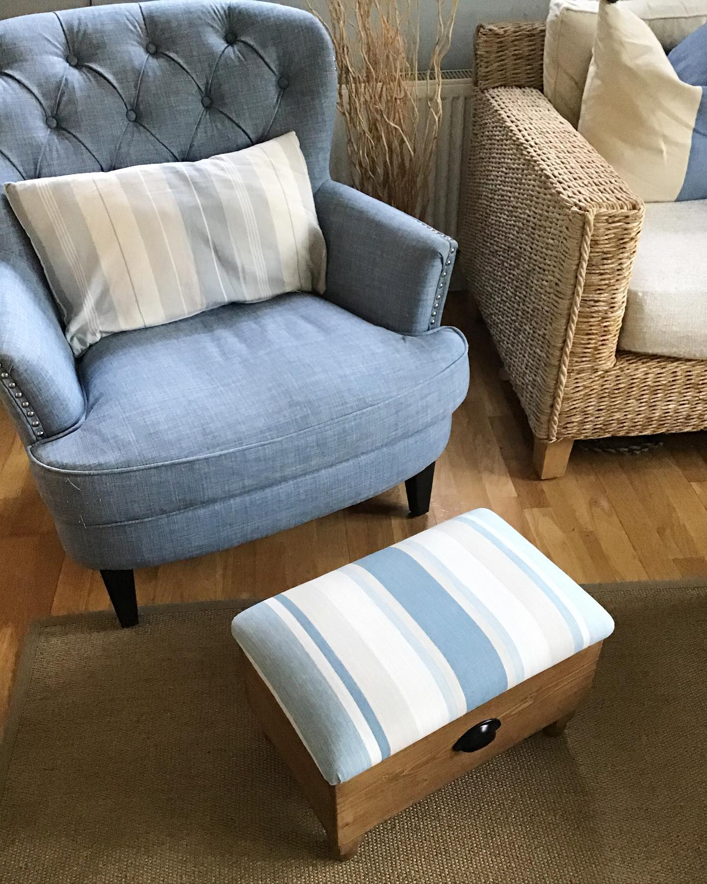 We often get asked if we can use different finishes on our ottomans, here we've used a medium oak finish on the wood so it matches other furniture in this lovely living space. ...#homedecor #matching #complimentary #fabricchoice #woodtreatments #lauraashley #stripes #oak #livingroom #bespoke #customise #giftideas