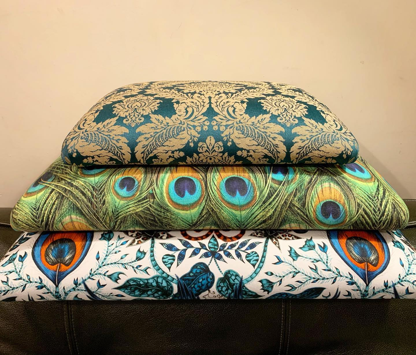 Making a lovely pile of lids ready for some bespoke ottomans we're working on at the moment.  So satisfying! We'll share some photos once they're finished ....#handmade #homewares #upholstery #beautifulfabric #paisley #contemporaryfabric #design #bold #pattern #design #home #gingerandtweed