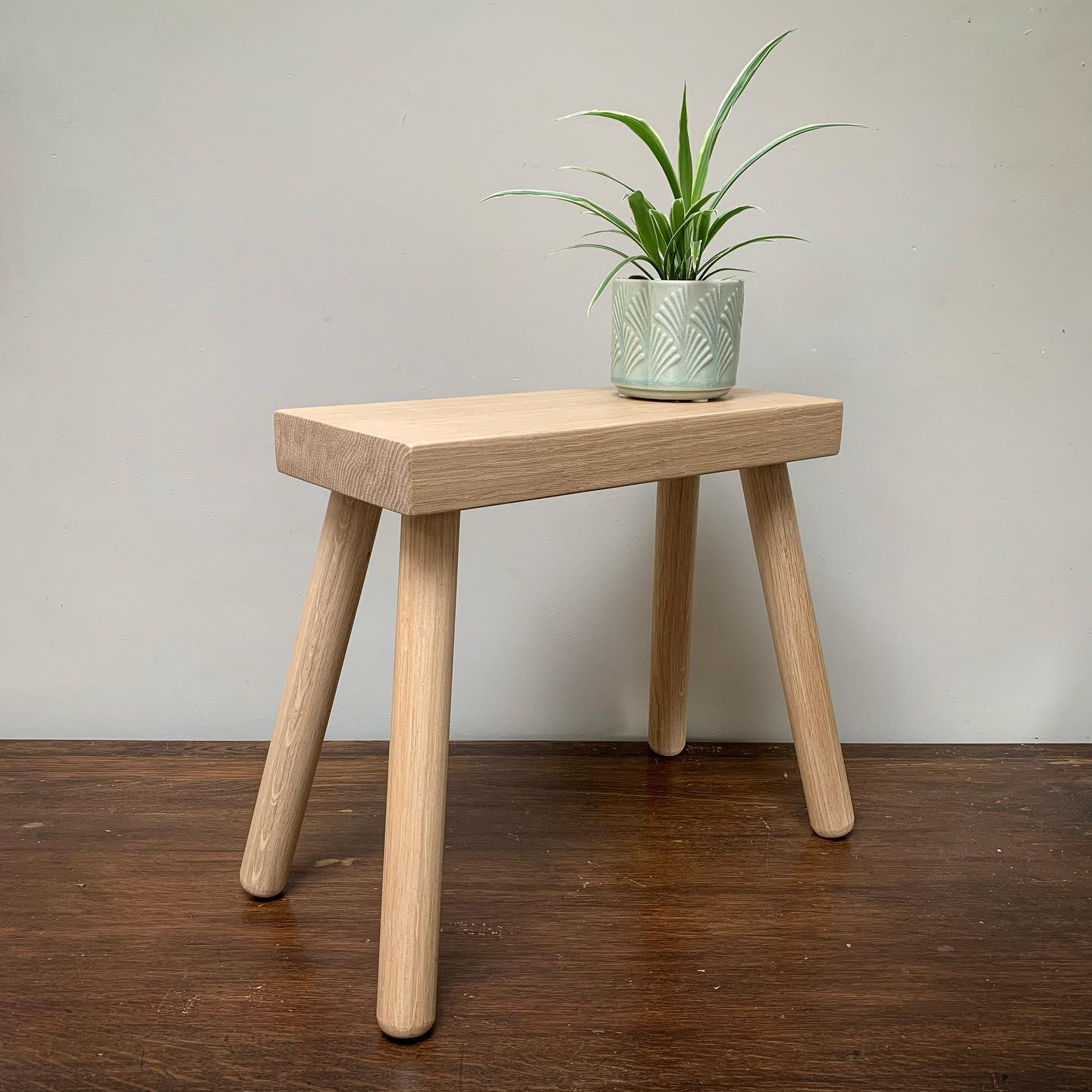 NOW AVAILABLE ONLINE!Our Solid Oak Milking Stools are now available to purchase through our website. We only have a limited number currently, but off to the timber yard early next week to stock up! Follow the product link or head over to gingerandtweed.com (link in bio)Have a great day everyone! ....#oakfurniture #sidetable #milkingstool #handcrafted #homedecor #newproduct #shoplocal #shopsmall