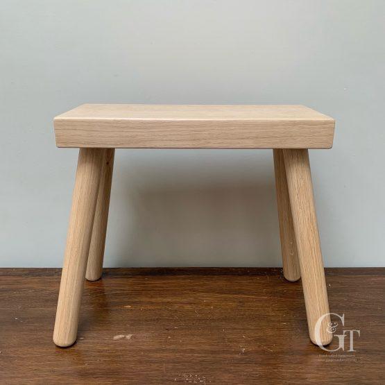Milking stool oak 2