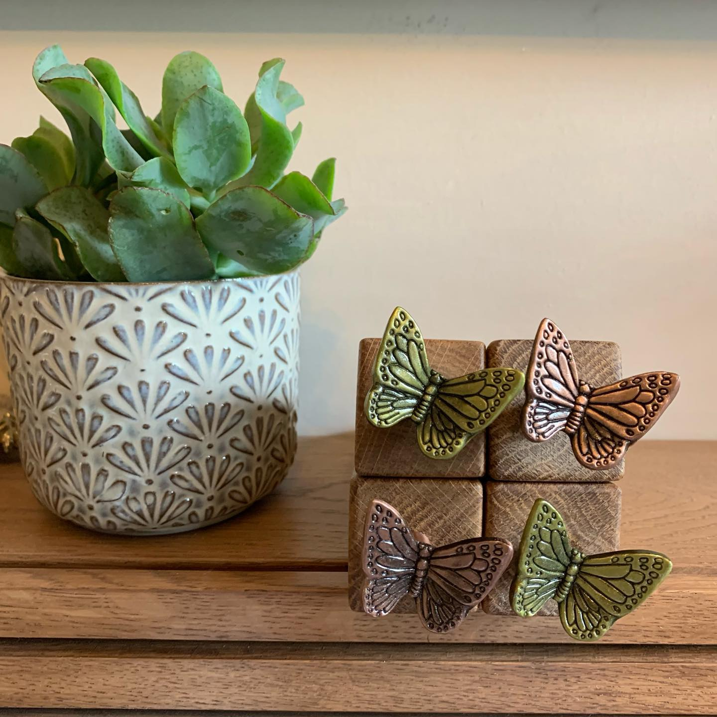 Butterfly oak wedges now available as part of the @clevedonsundaymarket £12 each including UK Shipping. Available in brass or copper finish. Head over to the Virtual Clevedon Sunday Market Facebook Group and join to find these and more, or feel free to get in contact if you'd like one, only a few available.